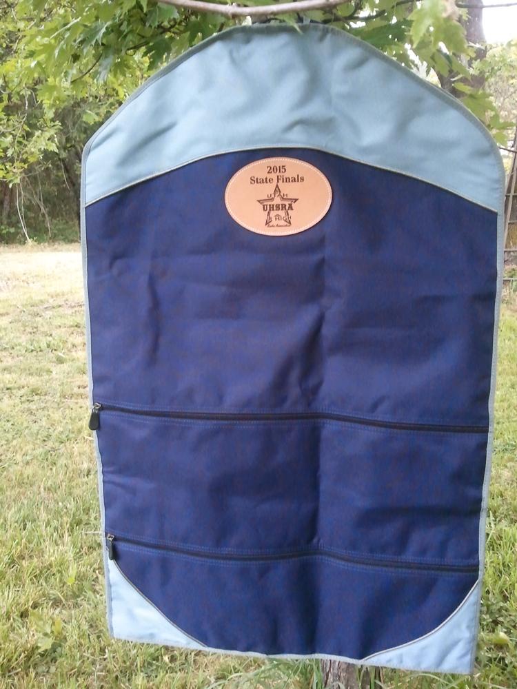 #31 Garment bag